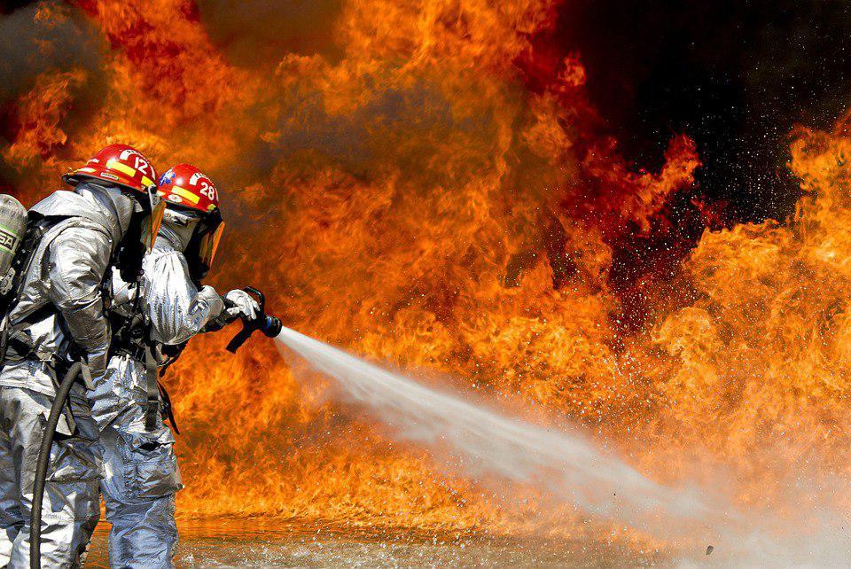 В новостройке рядом с Некрасовкой загорелся утеплитель