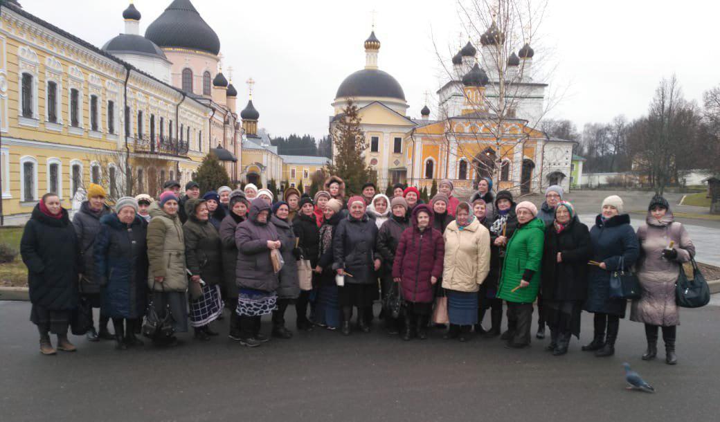 Участники проекта «Московское долголетие» из Некрасовки совершили экскурсию в Вознесенскую Давидову пустынь