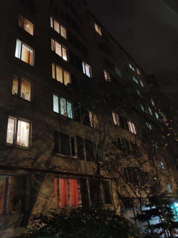 В доме на Покровской улице починили входную дверь